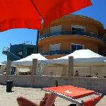  .. hotel sulla spiaggia!.. fantastico!..