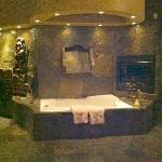 Waterfall jacuzzi in India Room
