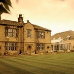 BEST WESTERN Rogerthorpe Manor Hotel