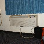  a/c unit with water bucket