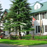 Portage Inn & Cottages
