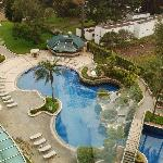 Pool and Gardens, Marriott, Quito