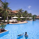 Swiss Belhotel Golden Sands Resort