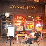 front of jonathan&#39;spizza