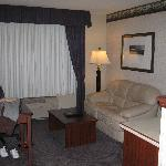 Photo de Phoenix Inn Suites Albany