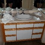 Sink area in the room