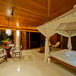 Villa Golf Master Bedroom Suite