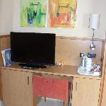 Good flat screen tv and tea/coffee facilities (refilled every day).