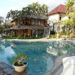 Foto Puri Saron Hotel Baruna Beach Cottages Bali