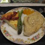  German Eggs, Asparagus, Cinnamon roll