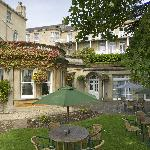 Coast and Country Lansdown Grove Hotel Outside seating area