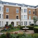 Stunning Grounds of Osborne House - We have a one bedroom fully furnished apartment in Osborne H