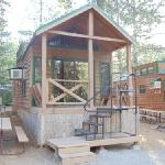 Cabin near boat dock @ Lake Siskiyou Camp-Resort