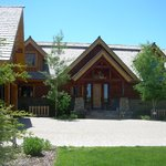 Lone Elk Lodge Bed & Breakfast
