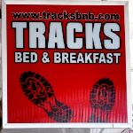 Tracks Bed & Breadfast resmi