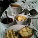  Cream tea at Corse Lawn
