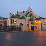 SUPER 8 MOTEL - MOORESVILLE/LAKE NORMAN AREA