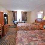 Shilo Inns Nampa Boulevard Double Queen Suite