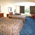  Shilo Inns Boise Airport Double Queen Suite
