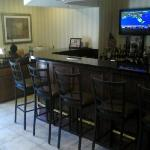 Cobblestone Inn and Suites resmi