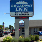 Broadway Inn