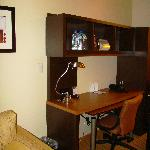 TownePlace Suites St. George - 1 King Bed Suite - working area