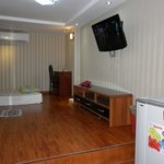  Family room, sleeps 4 - 6