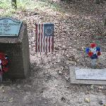 revolutionary war era grave