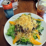 Salad with steak and mango