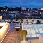  Rooftop panoramic bar and restaurant Overhall