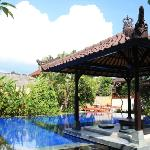 Fat Yogi Cottages resmi