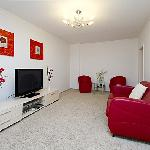  Red &amp; White Apartment