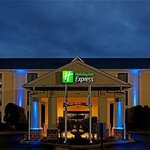 ‪Holiday Inn Express Hotel & Suites Charlotte Airport-Belmont‬