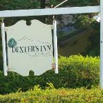Dexters Inn sign