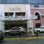  entrada del hotel
