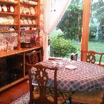 Foto de Hughes House Bed & Breakfast