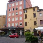  Frontansicht Hotel