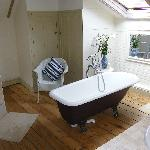 The Holkham Room ensuite with Rolltop Bath.