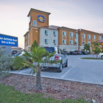 BEST WESTERN PLUS San Antonio East Inn &amp; Suites