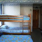 The Family Room - 2 Twin Beds plus Bunks