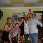 Backpackers In Paradise Foto