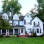 صورة فوتوغرافية لـ ‪Windsor Inn on the River Bed and Breakfast‬