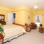 ‪Yellow Farmhouse Inn‬