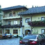  Exterior of Hotel Aumuehle