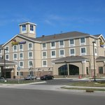 Holiday Inn Express & Suites Rogers