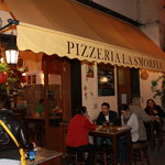 Pizzeria La Smorfia - yummy!