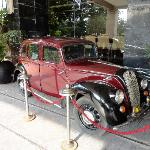  Antique car at the entrance of the hotel - 2