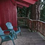  deck w/ chairs