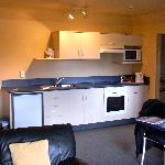  Avalon Manor Motel - Kitchenette