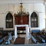 Beracha Veshalom Vegimulth Hasidim Synagogue